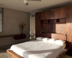 1283264204-20-spg-master-bed-detail