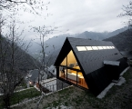 extraordinary-house-design-with-extraordinary-views-of-pyrenees-1