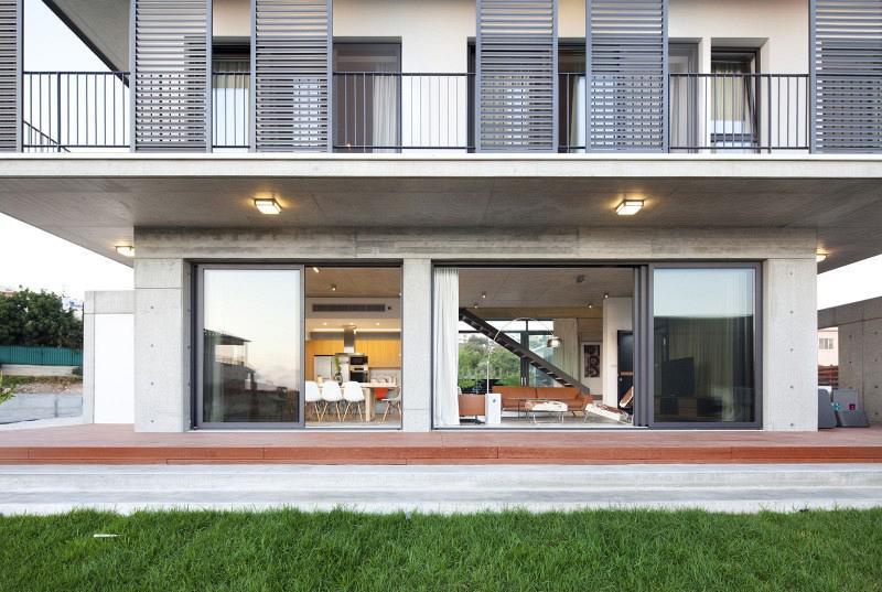 Andri-and-Yiorgos-Residence-04-800x537