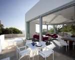 1283264108-10-spg-kitchen-terrace