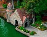 aharnishboathouse-1280382174