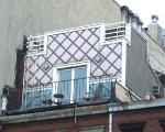 nyc-pink-rooftop-house