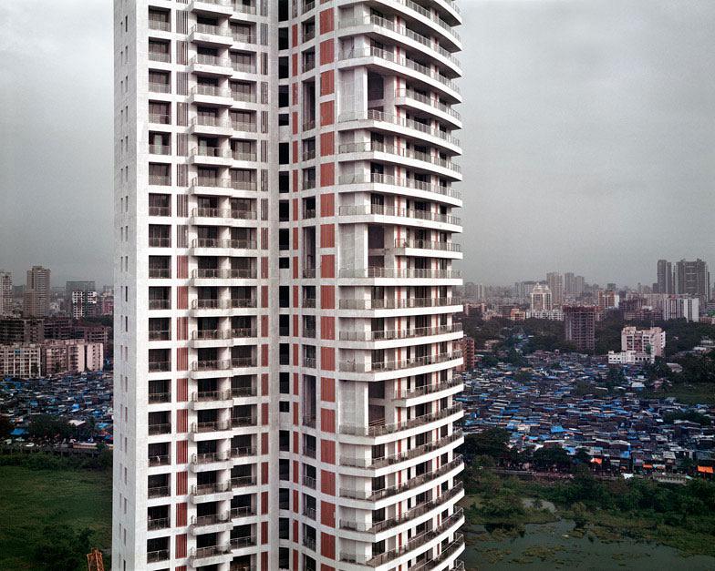 mumbai_skyscraper_by_alicja_dobrucka_dezeen_1